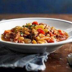 Hominy and Chorizo Chili    http://www.bhg.com/recipes/soup/chili/chili-recipes/?sssdmh=dm17.598682=nwslowcook5c=4115801618#page=4