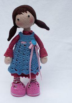 Crochet pattern for doll CELINE (Deutsch, English, Nederlands)