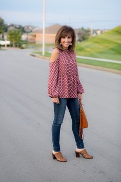 Happy hump day! I'm gearing up for my fall fashion series starting on Friday, September 1st with a little preview of a fall outfit today from Nordstrom.