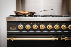 Espresso Machine, Coffee Maker, Nostalgia, Kitchen Appliances, Espresso Coffee Machine, Coffee Maker Machine, Diy Kitchen Appliances, Coffee Percolator, Home Appliances