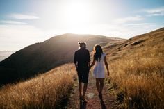 Long-distance relationships have come a long way. Here are 10 relationship goals every long-distance couple should seek to fulfill. Long Term Relationship Goals, Relationship Questions, Dating Questions, Marriage Relationship, Types Of Kisses, Prince Charmant, Images Gif, Free Images, Photo Portrait