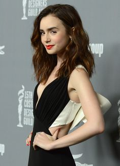 Lily Collins - Most Beautiful Girls Lily Collins Haircut, Lilly Collins Hair, Lily Collins Style, Lily Collins Makeup, Woman Crush, Girl Crushes, Beautiful People, Short Hair Styles, Hair Cuts