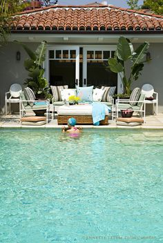 Pool house/pool