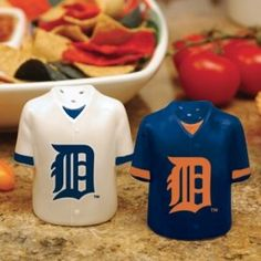 "Detroit Tigers MLB Gameday Jersey Salt And Pepper Shakers by Caseys. $28.95. These ceramic shakers are hand painted and durable enough to handle everyday use! The salt and pepper shakers feature your favorite teams logo. 3.5"" tall by 3"" wide.. Save 21%!"