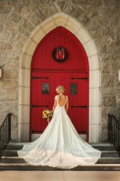 church arrival. high contrast. door. trail #gorgeous #bride #weddings