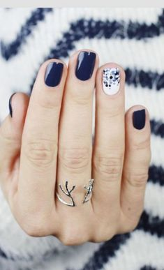 women-blue-nail-designs-for-winter-2017