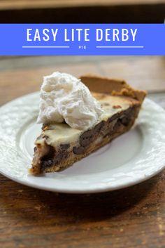 Enjoy this yummy, healthy and easy lite derby pie for a fantastic southern dessert (Dessert Recipes Fancy) Easy Pie Recipes, Tart Recipes, Healthy Dessert Recipes, Delicious Desserts, Snack Recipes, Southern Desserts, Desserts For A Crowd, Easy Desserts, Derby Pie
