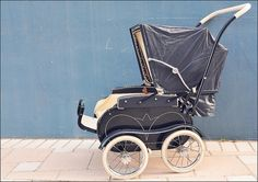 Raising A Child Your All-In-One Guide To Better Behaved Kids. Use this article to better your parenting skills, along with boosting your self-confidence. Pram Stroller, Baby Strollers, Silver Cross Prams, Vintage Pram, Prams And Pushchairs, Dolls Prams, Baby Buggy, Baby Prams, Baby Carriage