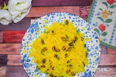 Find out how to make the perfect healthy, nutritious and delicious cauliflower rice with this turmeric and pistachio take on the popular rice alternative.