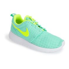 Nike 'Roshe Run BR' FlyKnit Sneaker ($75) ❤ liked on Polyvore featuring shoes, sneakers, chaussure, nike, nike sneakers, lightweight sneakers, nike trainers, lace up sneakers and light weight shoes