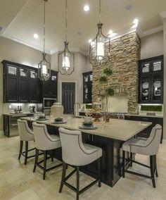 joli décor cuisine grise, îlot de cuisine, transformée en coin repas, aménagement cuisine en bois, design élégant