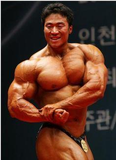Lee Seung Chul (이승철, Korean Bodybuilder) / 2010 Mr.Korea