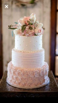 Pink Wedding Cakes Never ever under no situations position your wedding cake near the dance flooring due to the fact that the boogie bopper might cause a lotta heartache. A consistent table is a need to for the cutting of the cake. Wedding Cake Rustic, Beautiful Wedding Cakes, Beautiful Cakes, Pink Wedding Cakes, Wedding Cake Vintage, Wedding Cakes With Icing, Nature Wedding Cakes, Elegant Wedding, Floral Wedding