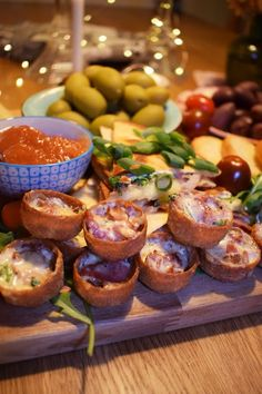 A Food, Food And Drink, Bacon, Appetisers, Nom Nom, Snacks, Cooking, Ethnic Recipes, Christmas