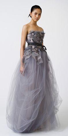 Vera Wang - 'Felicity' Gown  Fr. aislewithstyleblogspot.com