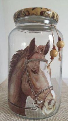 1 million+ Stunning Free Images to Use Anywhere Painted Wine Bottles, Painted Mason Jars, Mason Jar Wine Glass, Bottles And Jars, Glass Bottles, Glass Bottle Crafts, Bottle Art, Plastic Bottle, Jar Art