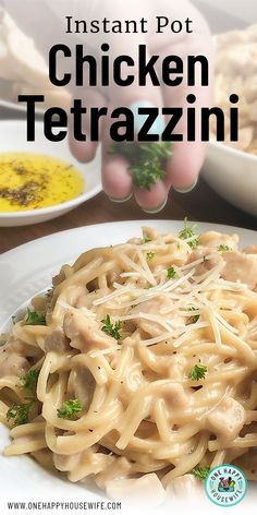 Instant Pot Chicken Tetrazzini - - This pressure cooker chicken tetrazzini with tender chicken and plump spaghetti pasta in an incredibly creamy white sauce is so comforting and delicious. This is a pasta dish that the whole family will love. Chicken Tetrazzini Recipes, Chicken Pasta Recipes, Recipe Chicken, Ip Chicken, Chicken Tenders, One Pot Chicken, Creamy Chicken, Pressure Cooker Chicken, Instant Pot Pressure Cooker