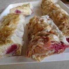 Cseresznyés-meggyes és túrós-epres rétes Ricotta, Fudge, Meat, Chicken, Baking, Recipes, Food, Bakken, Essen