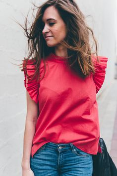 Mademoiselle D — Débardeur BAHIA - rouge Crop Top Outfits, Casual Outfits, Top Volant, Sleeves Designs For Dresses, Frill Tops, Blouse Outfit, Casual Tops, Diy Clothes, Everyday Fashion