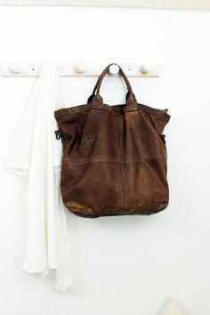 S BAG Handmade Italian Vintage Leather Tote di LaSellerieLimited su Etsy