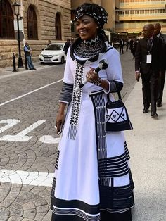 Xhosa Attire, African Attire, South African Traditional Dresses, African Dresses For Women, African Print Fashion, African Design, Afro, Fashion Dresses, Wedding Dress