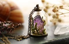 This Living Jewelry Lets You Wear A Piece Of Nature Around Your Neck. - http://www.lifebuzz.com/terrarium-jewelry/