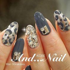 Spring Nail Art, Winter Nail Art, Winter Nails, Summer Nails, Nail Art Rhinestones, Rhinestone Nails, Simple Nail Art Designs, Nail Designs, Classy Nail Art