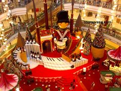 5 places to spend your Christmas night in Hanoi Christmas World, Christmas Night, Christmas Design, Christmas Themes, Christmas Scenery, Noel Christmas, Xmas Decorations, Christmas Shopping, Holidays And Events