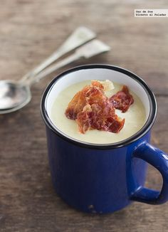 Crema de puerros con crujiente de jamón. Receta Soup Recipes, Cooking Recipes, Healthy Recipes, Tapas, Peruvian Cuisine, Sugar Free Recipes, Slow Food, I Foods, Food Inspiration