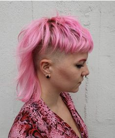 Pink Hair Mullet inspiration because the Mullet is back! Made by Kinki Kappers. Mullet Hairstyle, My Hairstyle, Messy Hairstyles, Pretty Hairstyles, Funky Short Hair, Short Hair Cuts, Short Hair Styles, Hair Inspo, Hair Inspiration