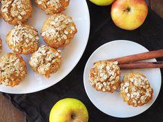 Cu o textură moale la interior și ușor crocante la exterior, aceste briose cu mere, nuci, ghimbir si scortisoara se prepară extrem de rapid, sunt delicioase Baby Food Recipes, Diet Recipes, Muffin, Gluten, Breakfast, Healthy, Desserts, Banana, Recipes For Baby Food