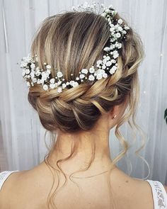 Pin Up with Wreath Wedding # Pin Up # Wedding # Wreath Bride Hairstyles Pin Wedding Wreath Bridal Hair Updo, Bridal Hair Flowers, Wedding Hair And Makeup, Bridal Makeup, Hair Makeup, Flower Crown Wedding, Hair Wedding, Makeup Art, Makeup Tips