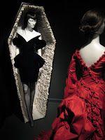 Gothic: Dark Glamour - A Exposição