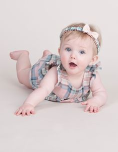 2017 spring winter Organic cotton baby rompers safe for newborn baby jumpsuit 2 colour infant costumes for spring - Organic Baby Cool Baby, Cute Little Baby, Cute Babies, Cute Baby Boy Photos, Cute Kids Pics, Baby Boy Pictures, Cute Baby Wallpaper, Baby Tumblr, Cute Baby Clothes