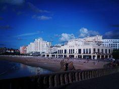 Viagens n'outro País #biarritz #surf #love #fashion #art #nature #ocean #montpellier #paysbasque #basquecountry #sea #photo #bayonne #sunset #selfie #paris #toulouse #beachlife #landscape #france #waves #sky #naturelovers #winter #blue #lyon #tbt #anglet #instagram #igers