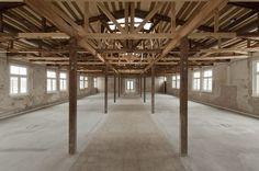 Van Rijn opent gerestaureerde barak Kamp Vught - PhotoID #275743
