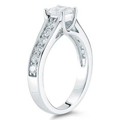 Mmm what a ring... I could just drool over my keyboard haha