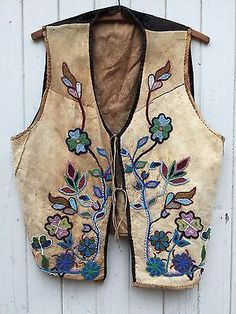 Clothing & Moccasins, Native American US, Cultures & Ethnicities, Collectibles Native American Regalia, Native American Clothing, Native American Artifacts, Native American Beadwork, Native American Fashion, Native Beadwork, Cree Indians, Gilet Costume, Native Indian
