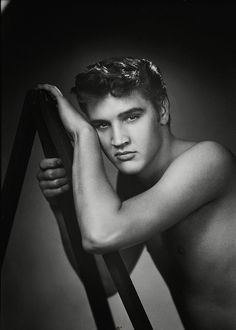 Elvis, 1955.  Wow love this picture.