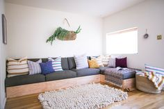 Beatrice Valenzuela Guesthouse in Echo Park  Craig: Built-in seating