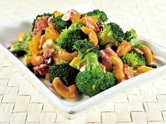 Pan-seared shrimp and vegetables in a saucy stir-fry. Good and healthy dinner in under 30 minutes! Cashew Recipes, Vegetable Recipes, Asian Recipes, Healthy Recipes, Chinese Recipes, Chinese Food, Garlic Roasted Broccoli, Fried Broccoli, Broccoli Salad