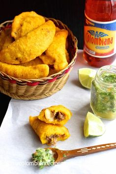 Colombia: These wonderful empanadas are one of the most popular Colombian snacks. The crust is made with corn masa while the filling is made with meat, potatoes and spices. It's traditional to serve these empanadas with ají (Colombian-style hot sauce) Colombian Dishes, Colombian Cuisine, My Colombian Recipes, Empanada Recipe Colombian, Colombian Arepas, Comida Latina, Tapas, Columbian Recipes, Tandoori Masala