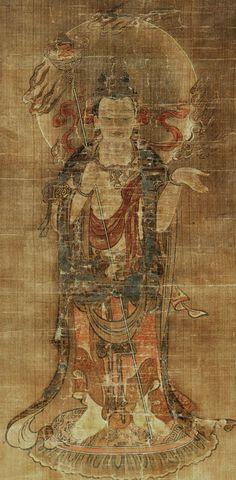 閻魔天立像図 とても古い物(鎌倉以前?)で、欠損や修復の跡が多数ある仏画です。 人の顔が付いた杖(人頭幢)を持ち、温和な表情で菩薩(インド)風の服を着た「天部」です。 十二天図や曼荼羅の図像として、奈良時代にはこの様な姿が伝えられた様で、一般的に知られる憤怒の形相をした地獄の閻魔大王(鎌倉時代以降に普及する様になった十王信仰の)とは全く雰囲気が違います