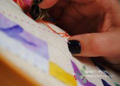 How to do Big Stitch Hand Quilting with Perle Cotton tutorial Quilting For Beginners, Quilting Tips, Quilting Tutorials, Machine Quilting, Craft Tutorials, Quilting Projects, Quilt Stitching, Applique Quilts, Hand Stitching