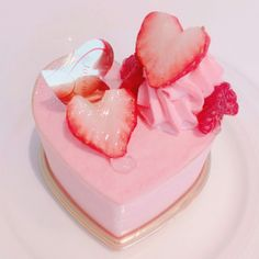 Image about pink in sweet 🍩🍭 by Pilar on We Heart It Cute Food, Yummy Food, Kawaii Dessert, Pink Foods, Cute Desserts, Aesthetic Food, Aesthetic Pastel, Sweet Treats, Food Porn
