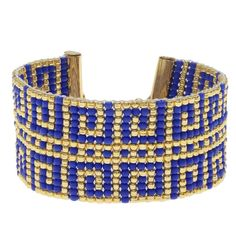 Make beautiful jewelry quickly, easily and inexpensively with our exclusive kits. Created by our team of expert designers.This beaded loom bracelet features a Greek key pattern done in vibrant gold and blue. The swirl pattern is fun and e Making Bracelets With Beads, Beaded Bracelets Tutorial, Jewelry Making Kits, Jewelry Kits, Bead Loom Bracelets, Handmade Bracelets, Beaded Jewelry, Bracelet Making, Jewelry Crafts