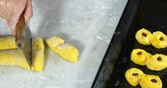 Ungersk gulaschsoppa med köttfärs recept | Allas Recept Pineapple, Fish, Meat, Fruit, Red Peppers, Pine Apple, Pisces