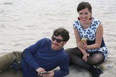 BODAS EVELOPEMENT EN VALENCIA: LAS BODAS MÁS ÍNTIMAS EN LA PLAYA Y OTROS RINCONES.   Las Tres Sillas Valencia, Couple Photos, Couples, Chairs, Beach, Weddings, Couple Shots, Couple Photography, Couple