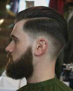 The best men's haircuts and men's hairstyles cut and styled by the best barbers in the world. Latest Men Hairstyles, Quiff Hairstyles, Haircuts For Men, Medium Hairstyles, Wedding Hairstyles, Mens Rockabilly Hairstyles, Pelo Popular, Hair And Beard Styles, Hair Styles