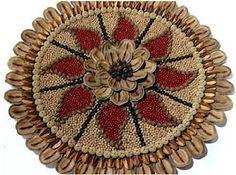 Artesanato Maria de Fatima Meotti Seed Craft, Seed Bead Art, Mosaic Art Projects, Diy And Crafts, Arts And Crafts, Circle Art, Fruit Art, Creative, Handmade